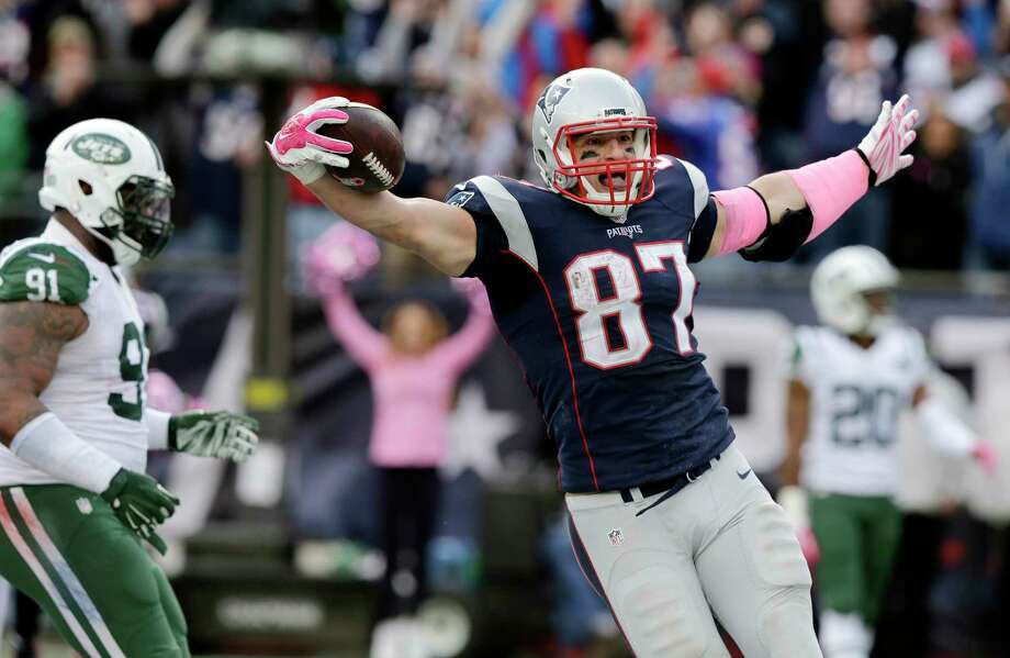 Patriots tight end Rob Gronkowski (87) celebrates his touchdown catch during the second half against the Jets on Sunday. Photo: Charles Krupa — The Associated Press  / AP