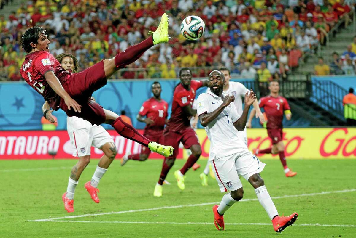 DeMarcus Beasley, right, is playing in his fourth World Cup.