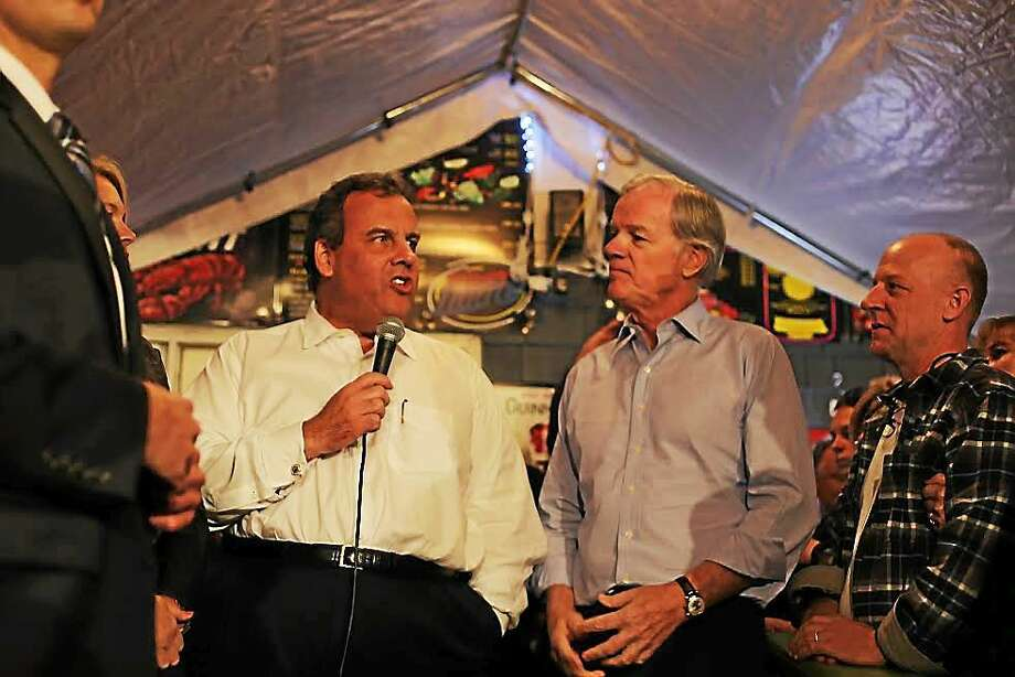 New Jersey Gov. Chris Christie and Republican Tom Foley. Photo: Christine Stuart/CTNewsJunkie.com