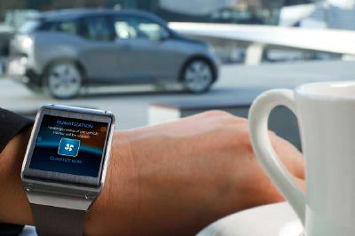 The app provides at-a-glance information about the car, including remaining battery charge.