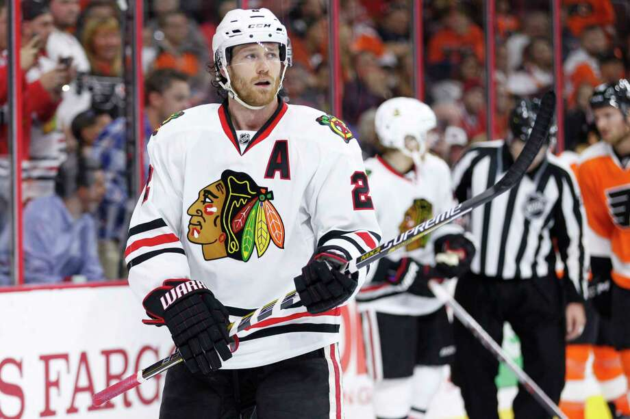 Chicago Blackhawks defenseman Duncan Keith will miss 4-6 weeks. Photo: Chris Szagola — The Associated Press  / FR170982 AP
