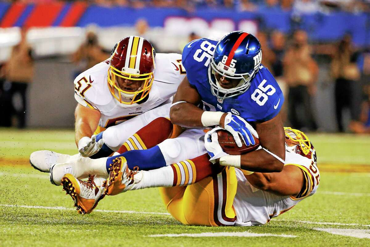 New York Giants tight end Daniel Fells (85) was released from the hospital after nearly three weeks.