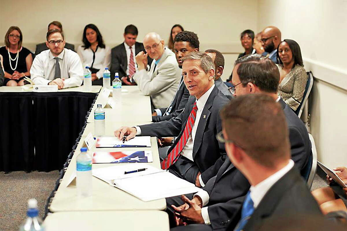 U.S. Department of Veterans Affairs Acting SECVA Sloan Gibson moderated the 79th student roundtable. Here, he discussed how he and his father both used the GI Bill.