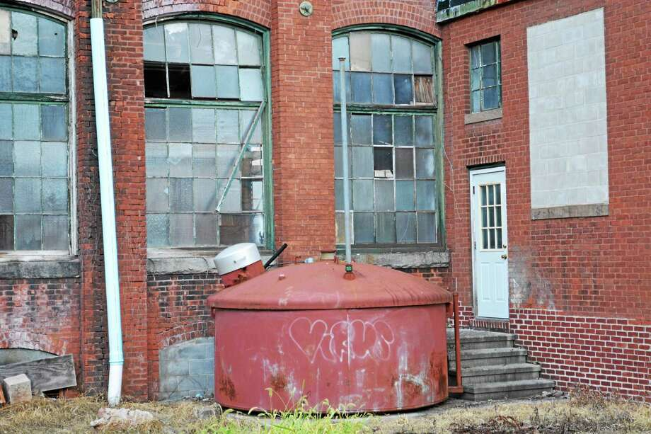 The former Middletown Manufacturing Co. on Stack Street housing project passed the Planning and Zoning Commission this week. Photo: Cassandra Day — The Middletown Press