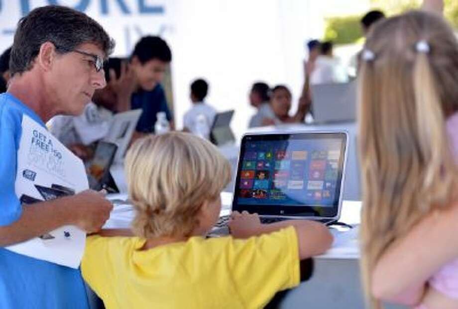 Customers explore the new Microsoft Surface with Windows 8.