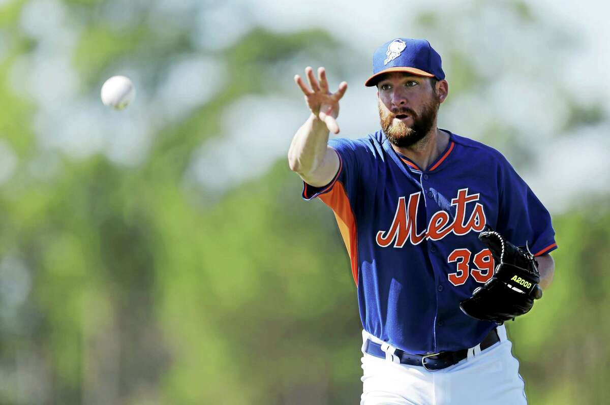 New York Mets reliever Bobby Parnell expects to regain his role as closer in 2015.
