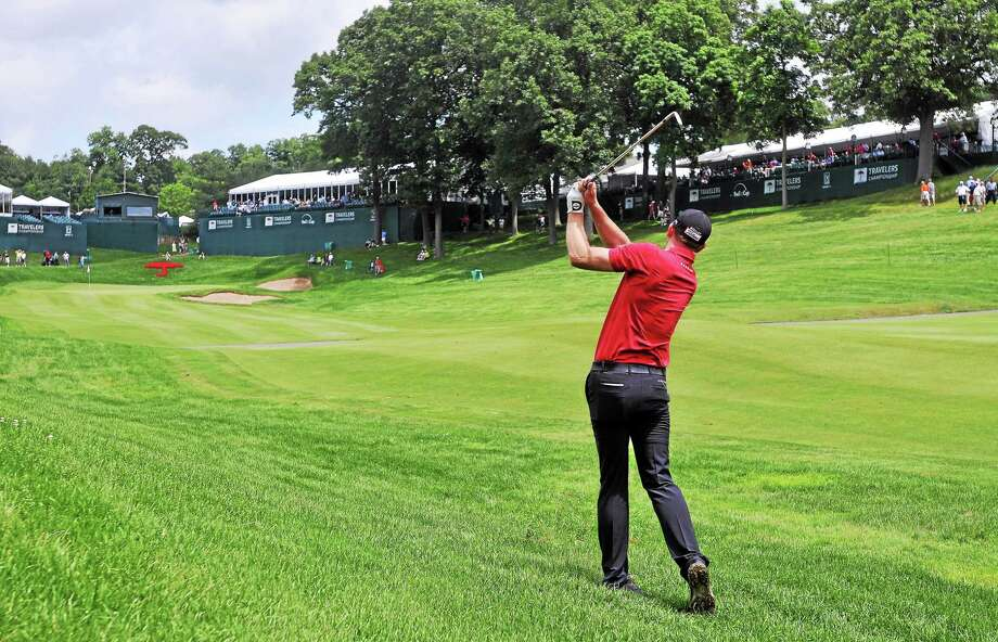 Brendan Steele parred the 18th hole on his way to a 62 and a 1-shot lead after the first round of the Travelers Championship on Thursday in Cromwell. Photo: Peter Casolino — Register