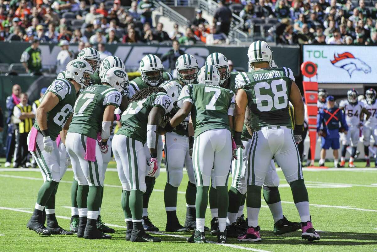 The New York Jets will take on the New England Patriots tonight in Foxborough, Mass.