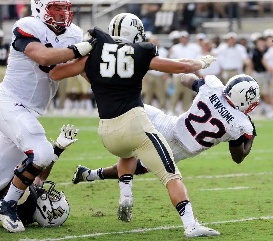 UConn running back Arkeel Newsome was named the AAC Special Teams Player of the Week. Photo: The Associated Press  / AP
