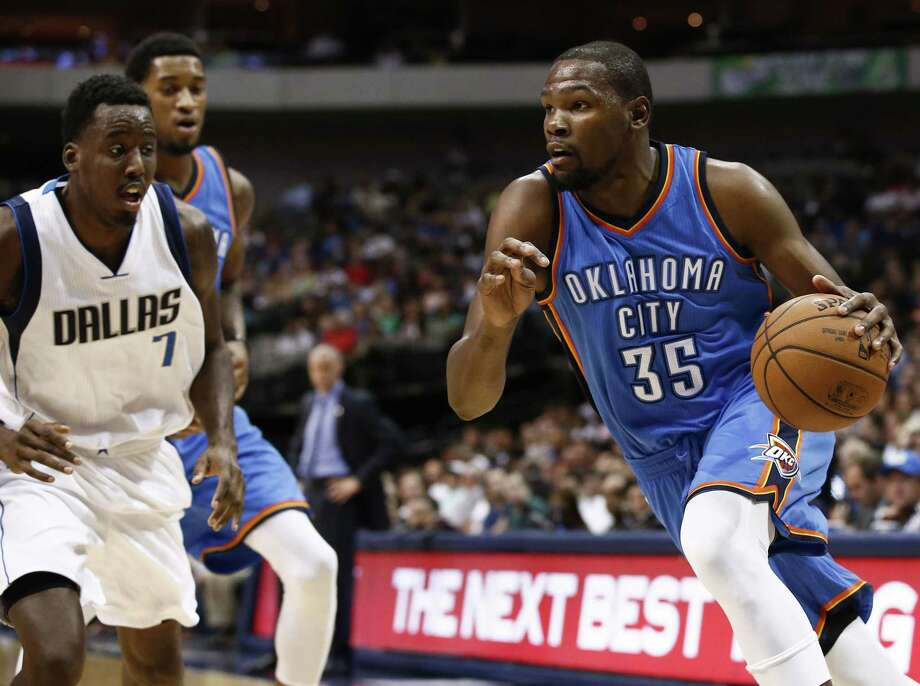 Oklahoma City Thunder forward Kevin Durant has a fractured right foot and is slated to miss six to eight weeks of the season. Photo: The Associated Press File Photo  / FR170531 AP