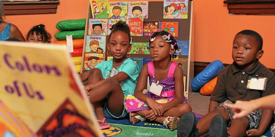 The Middlesex United Way is recruiting volunteers in the Middletown area to support reading among preschool students in October as part of its Days of Caring. Photo: File Photo  / Daily Local News