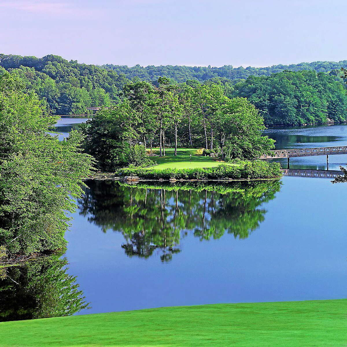 The 11th hole on the South Course at Lake of Isles, site of this week's Connecticut Amateur.