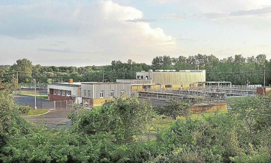 Mattabassett District Sewage Treatment Plant in Cromwell is seen in this 2008 file photo. Photo: Catherine Avalone — The Middletown Press