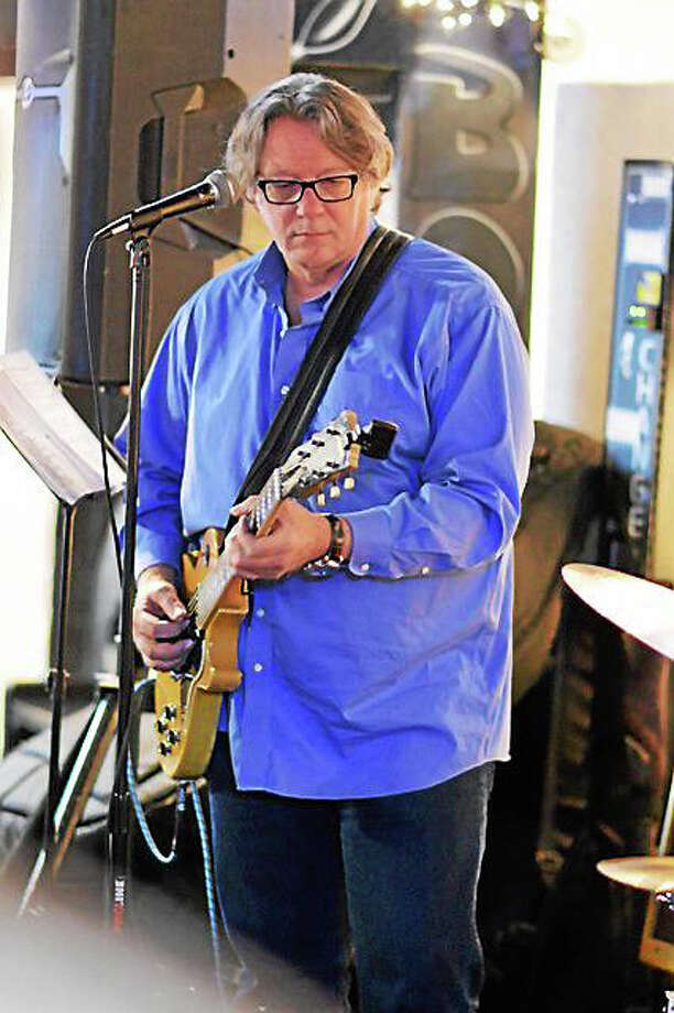 Photo by Dom ForcellaHashBrown joins Chris Ruest at the Maple Tree Cafe Friday. Photo: Journal Register Co.
