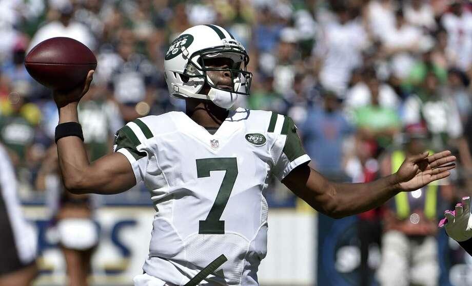 New York Jets quarterback Geno Smith. Photo: Denis Poroy — The Associated Press  / FR59680 AP