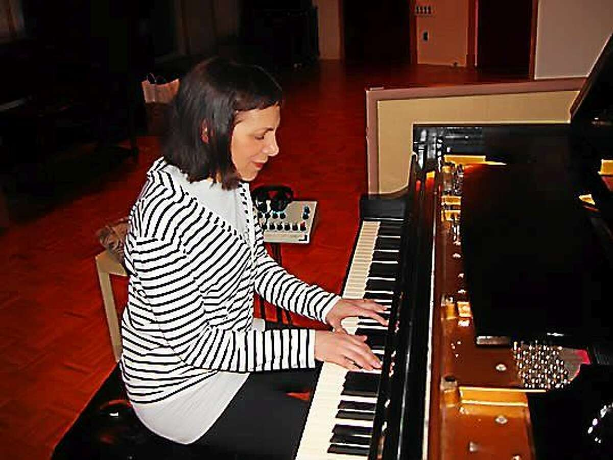 Contributed photo Pianist Leslie Pintchik performs at the Side Door in Old Lyme.