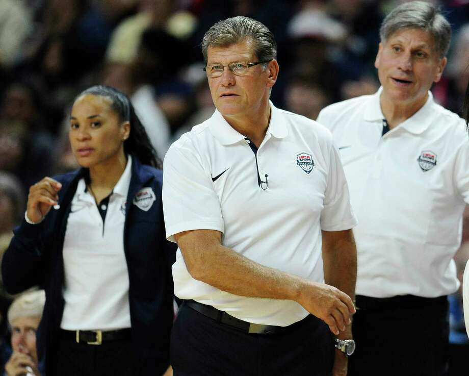 Coach Geno Auriemma and the U.S. women's national team advanced to the semifinals of the World Championship with a win over France on Friday. Photo: The Associated Press File Photo  / FR125654 AP