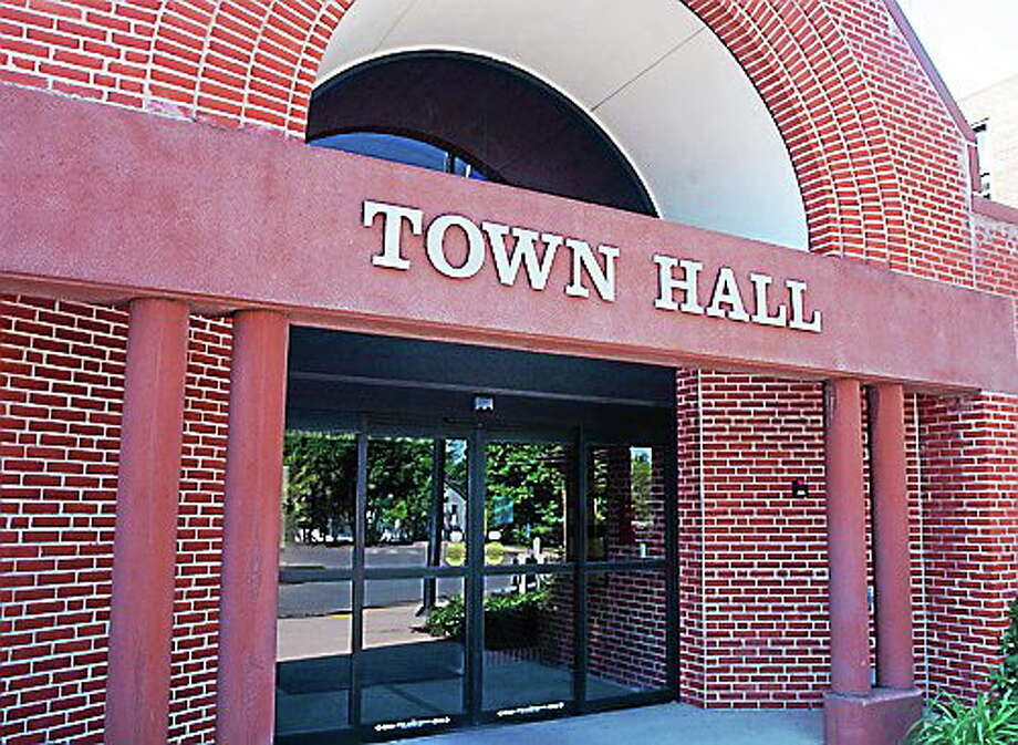 Cromwell Town Hall Photo: The Middletown Press