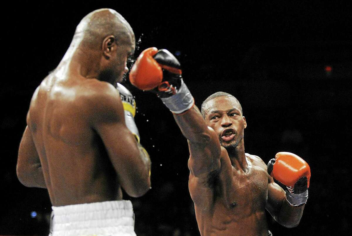 The last time New Haven's Chad Dawson, right, fought in Connecticut, he beat Glen Johnson, left, in a light heavyweight championship bout in Hartford on Nov. 7, 2009.