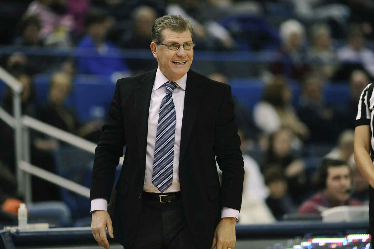 UConn head coach Geno Auriemma recorded his 900th win in a victory over Cincinnati on Tuesday night.