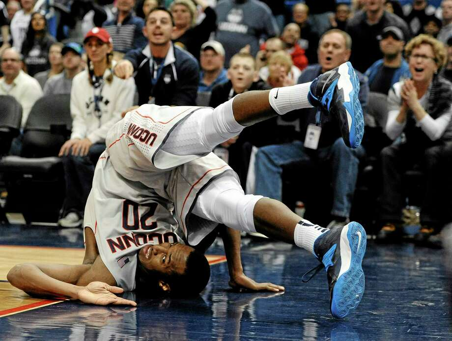 Lasan Kromah and UConn will take on Temple on Thursday in Philadelphia. Photo: Jessica Hill — The Associated Press  / FR125654 AP