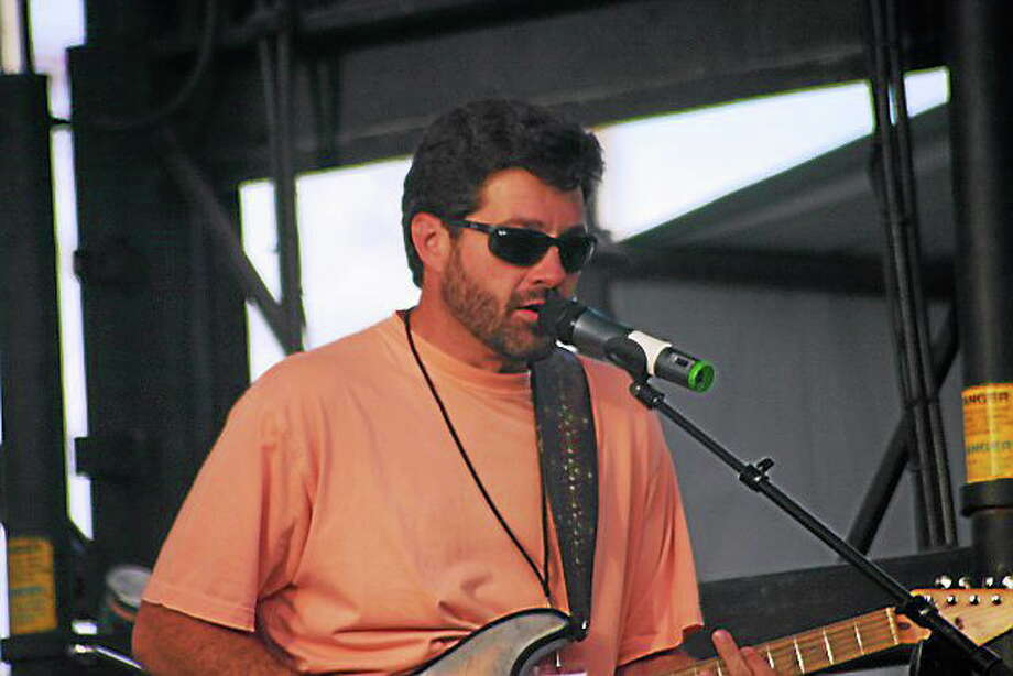Photo by Dom Forcelli Tab Benoit plays FTC Stage One in Fairfield. Photo: Journal Register Co.