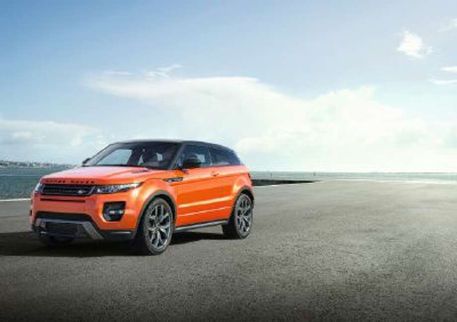 The Range Rover Evoque Autobiography Dynamic has a 285 PS 2-liter, turbocharged engine.