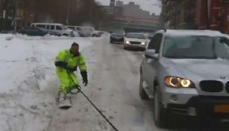 Casey Neistat is sharing this video of himself snowboarding through New York City.