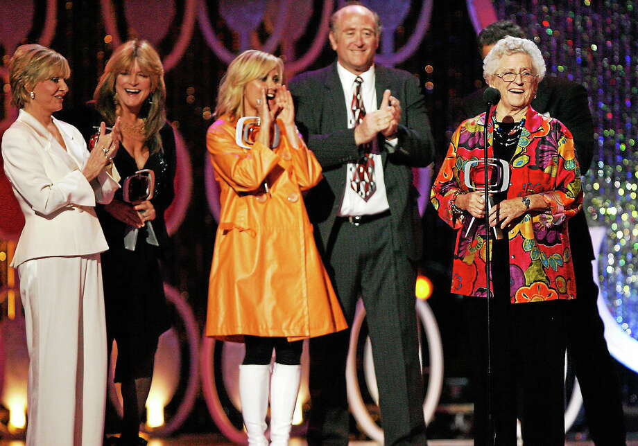 """In this April 14, 2007 photo, Florence Henderson, from left, Susan Olsen, Maureen McCormick, Lloyd Schwartz and Ann B. Davis of the television show """"The Brandy Bunch"""" accept the Pop Culture Award during the 5th Annual TV Land Awards in Santa Monica, Calif. Photo: AP Photo/Gus Ruelas, File  / AP"""