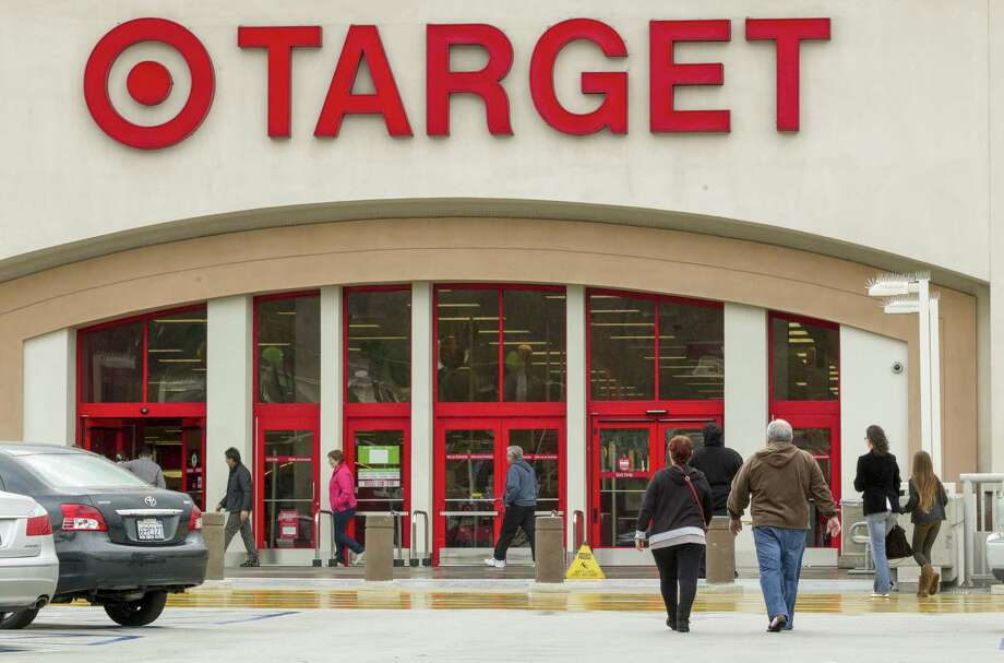 Shoppers arrive at a Target store in Los Angeles. Photo: The Associated Press  / AP