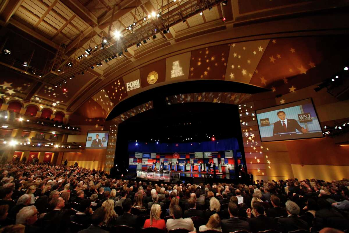 Republican presidential candidates John Kasich, Jeb Bush, Marco Rubio, Donald Trump, Ben Carson, Ted Cruz, Carly Fiorina and Rand Paul appear during the Republican presidential debate at the Milwaukee Theatre, Tuesday, Nov. 10, 2015, in Milwaukee.