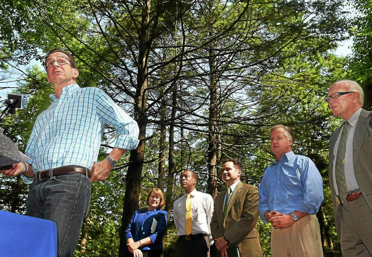 Gov. Dannel P. Malloy, DEEP Commissioner Susan Whalen, Hamden Mayor Scott Jackson, DEEP Commissioner Robert Klee, House Speaker Brendan Sharkey of Hamden and state. Sen. Joe Crisco announced all state parks and their museums will be open free to visitors July 26 and 27, as part of the state parks centennial celebration.