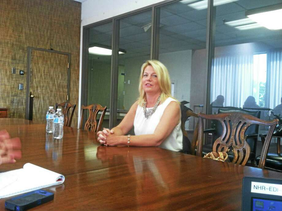Heather Bond Somers speaks with the New Haven Register editorial board Wednesday. Photo: NEW HAVEN REGISTER