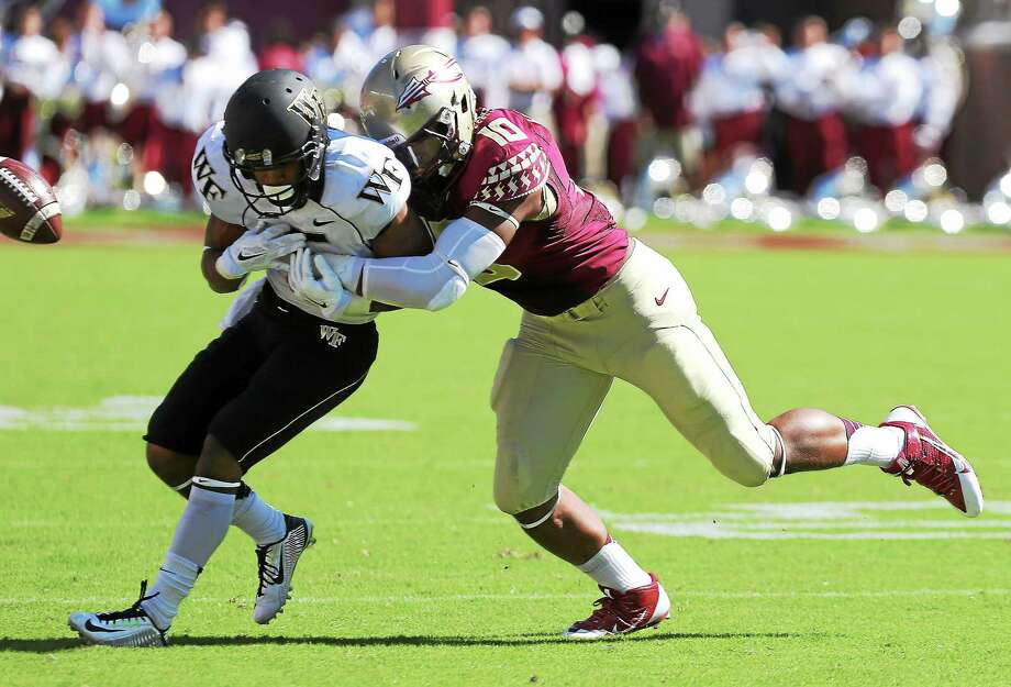 Florida State's E.J. Levenberry is transferring to UConn. Photo: Steve Cannon — The Associated Press File Photo  / FR127919 AP