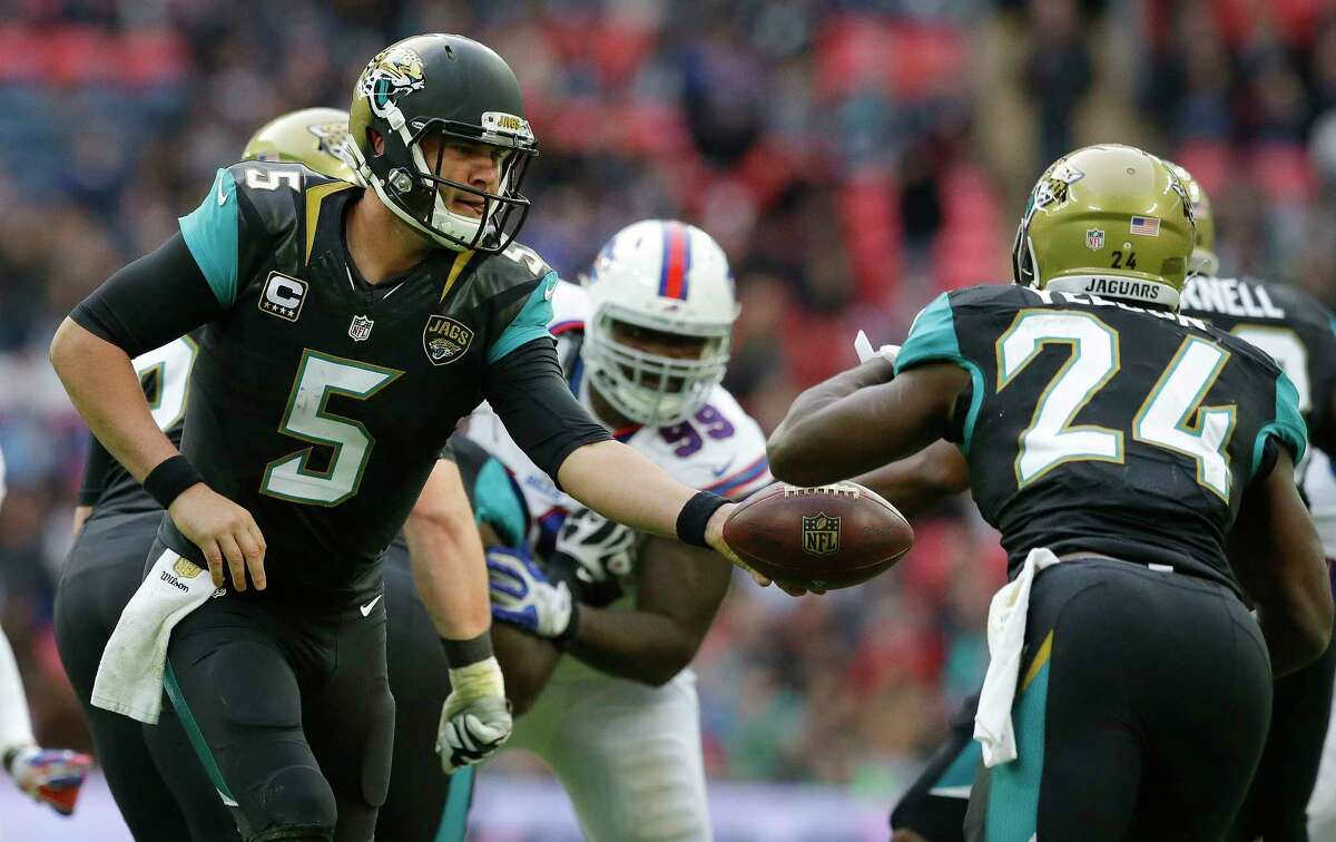 Quarterback Blake Bortles (5), running back T.J. Yeldon (24) and the Jaguars face the Jets today.