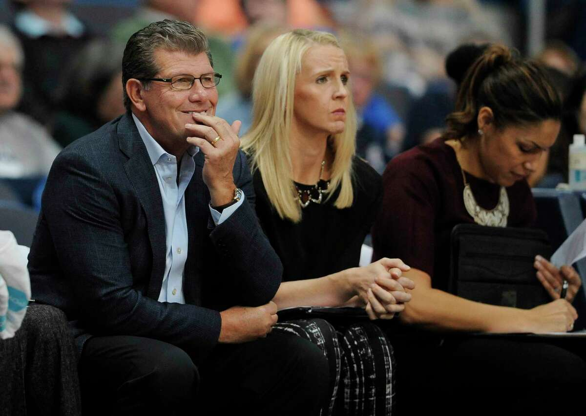 UConn coach Geno Auriemma continues to push for rules changes to the women's game.