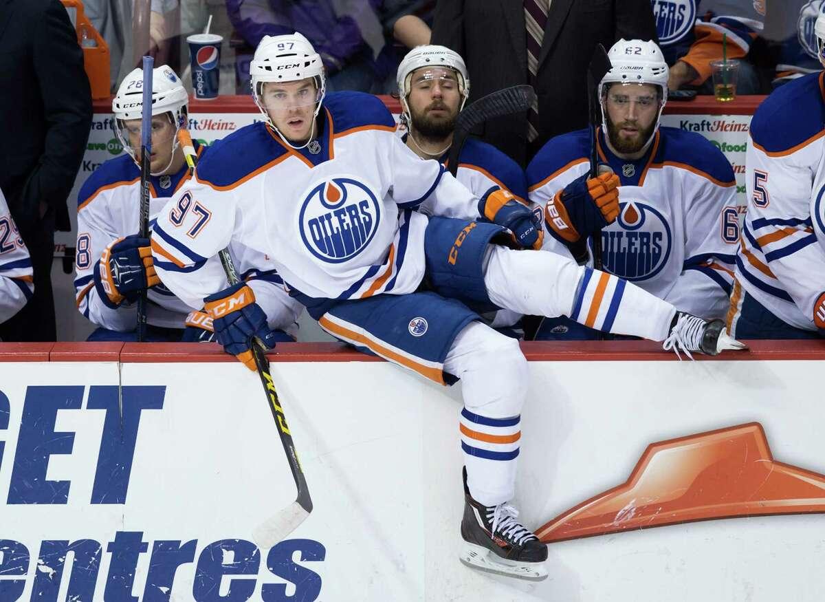 Edmonton Oilers rookie Connor McDavid has a broken left clavicle.
