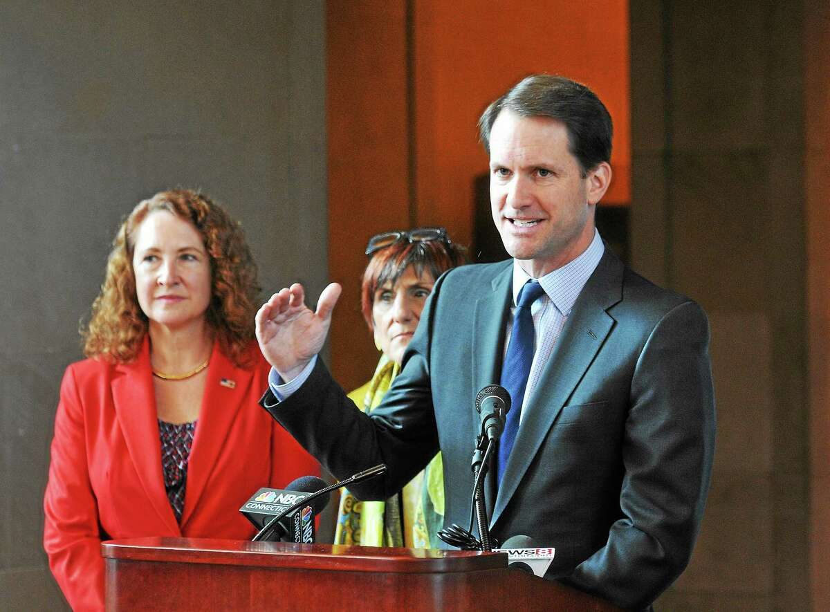 ongressman Jim Himes speaks as lawmakers unveil a comprehensive rail safety plan at Union Station during a press conference in May 2014 with fellow Reps. Elizabeth Esty and Rosa DeLauro.