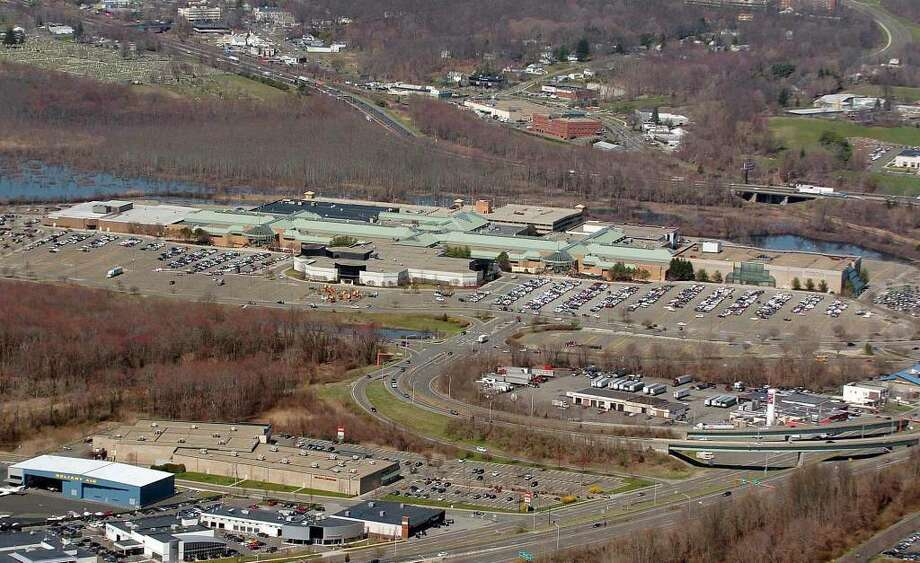 Danbury Fair Mall, photographed Thursday, April 1, 2010. Photo: Chris Ware / The News-Times