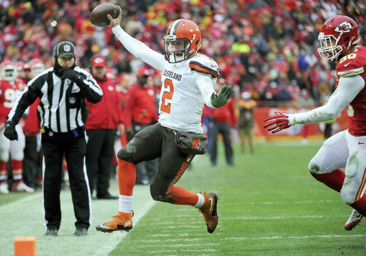 Cleveland Browns quarterback Johnny Manziel will miss the season finale.