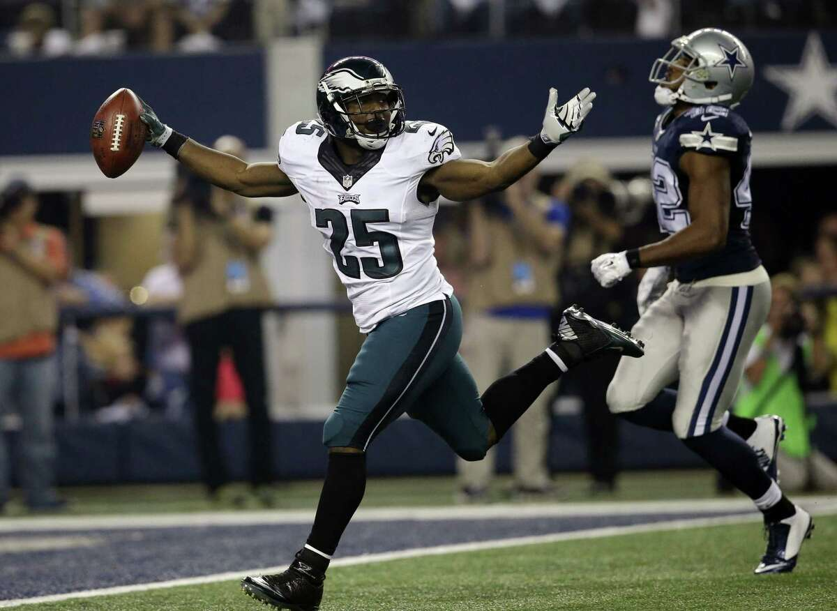 The Philadelphia Eagles traded running back LeSean McCoy to the Buffalo Bills on Tuesday for Kiko Alonso.