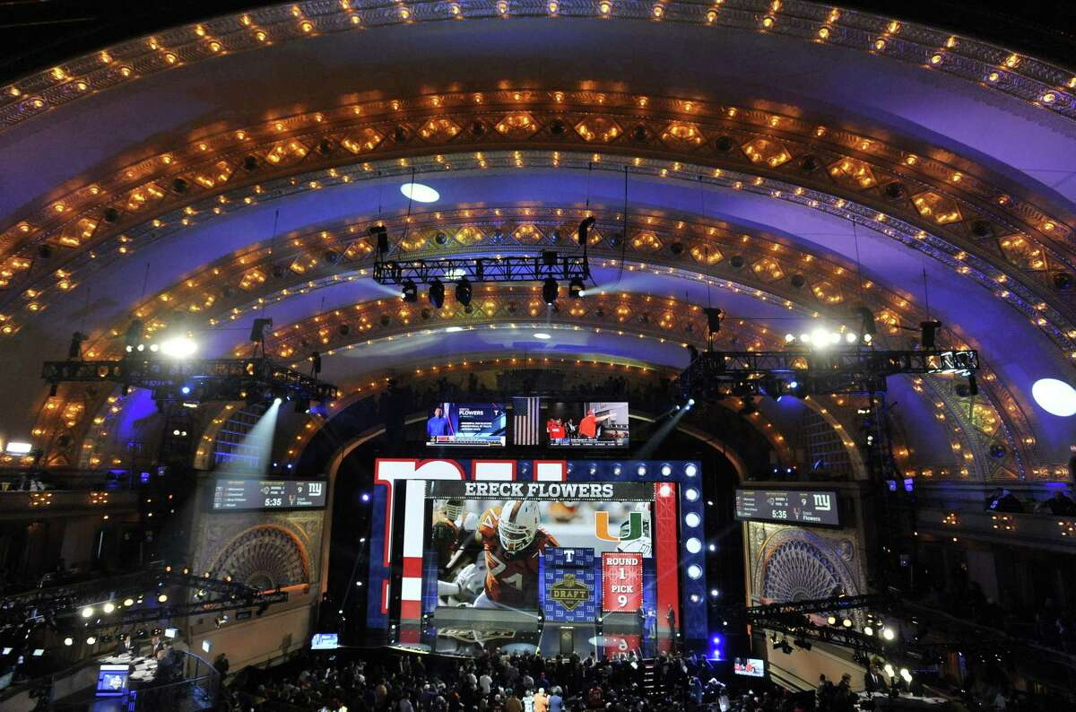 The Giants selected Miami offensive lineman Ereck Flowers with the ninth pick of the NFL draft.