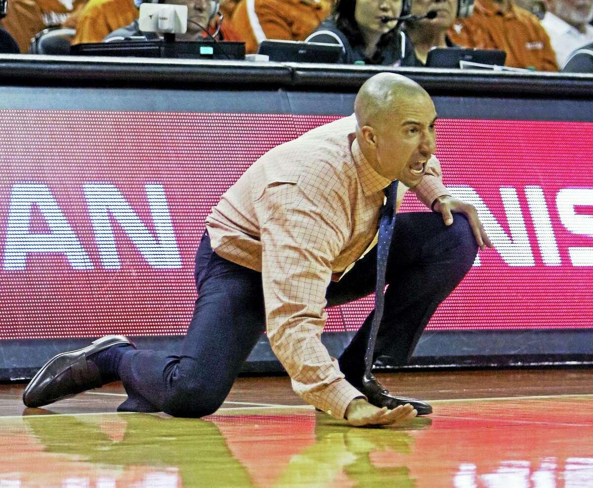 Texas head coach Shaka Smart.