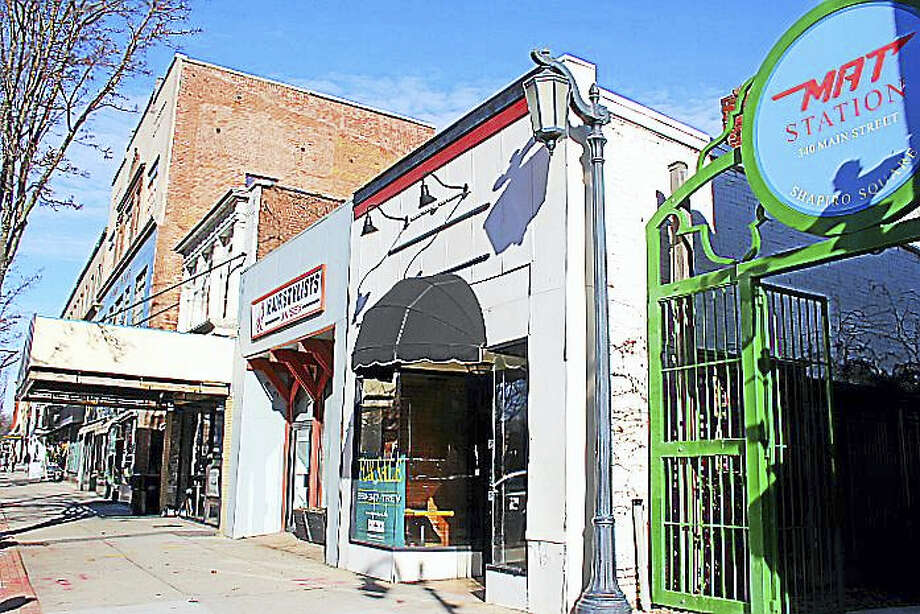 Perk on Main plans to open its third location this March at 344 Main St. That building, to be purchased by Perk owner Katie Hughes Wednesday, is next door to the Middletown Area Transit facility on Main Street. Photo: Kathleen Schassler — Middletown Press  / Kathleen Schassler All Rights
