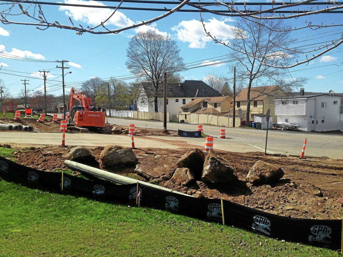 Jeff Mill - The Middletown Press Work continues at the intersection of routes 196 and 66 in East Hampton.