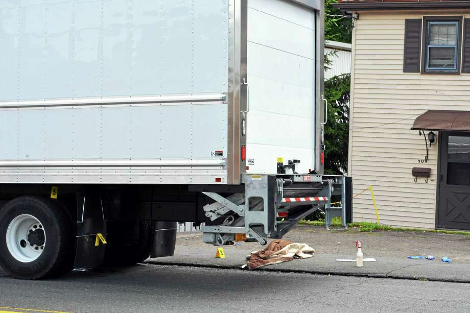 Middletown woman hit by box truck dies, police say - The