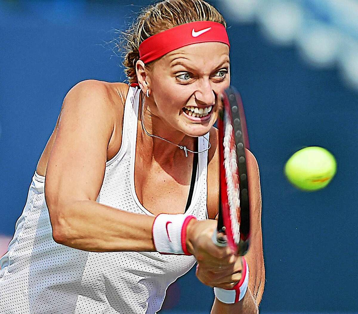 Petra Kvitova defeated Lucie Safarova in the final of the Connecticut Open on Saturday at the Connecticut Tennis Center in New Haven.