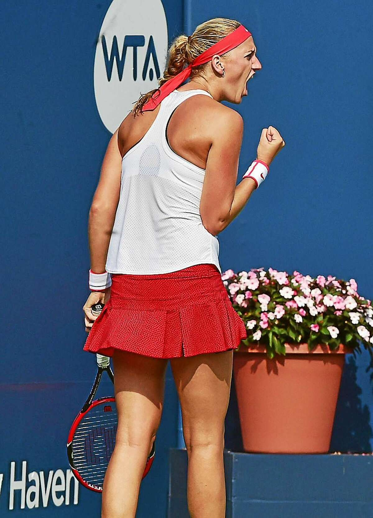 Petra Kvitova won the Connecticut Open by defeating Lucie Safarova on Saturday at the Connecticut Tennis Center.
