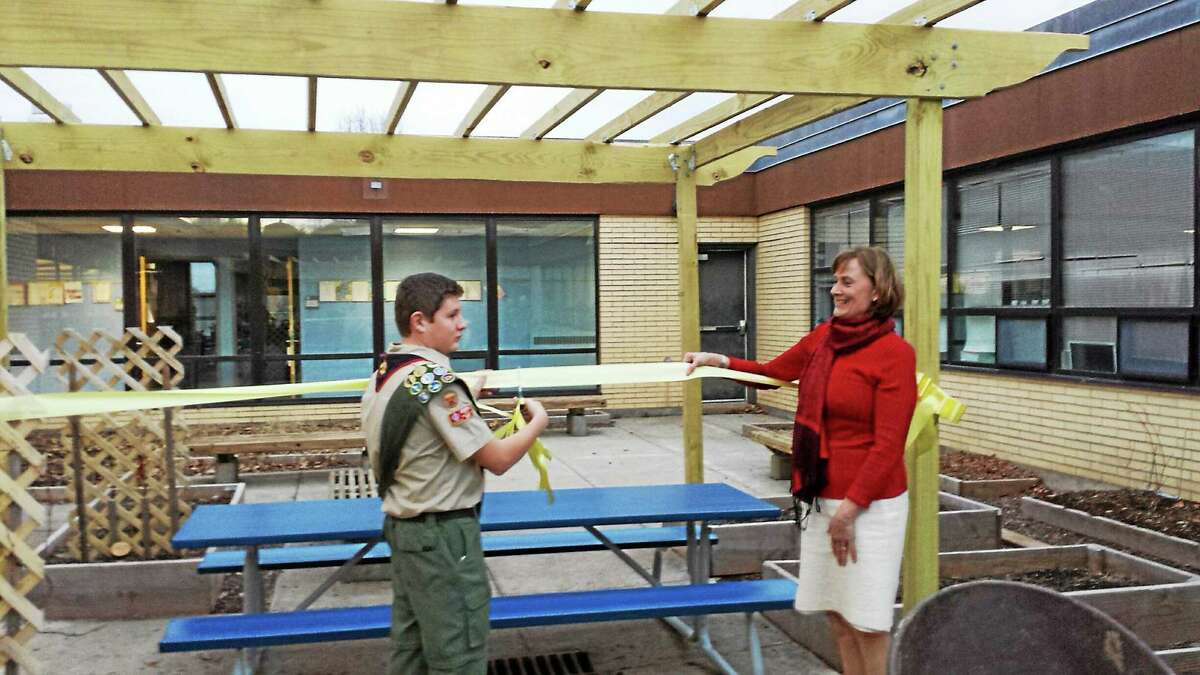 For his Eagle Scout project, Moody School alumni and Middletown High School student Jonathan Rosenblum installed a 16-foot pergola.