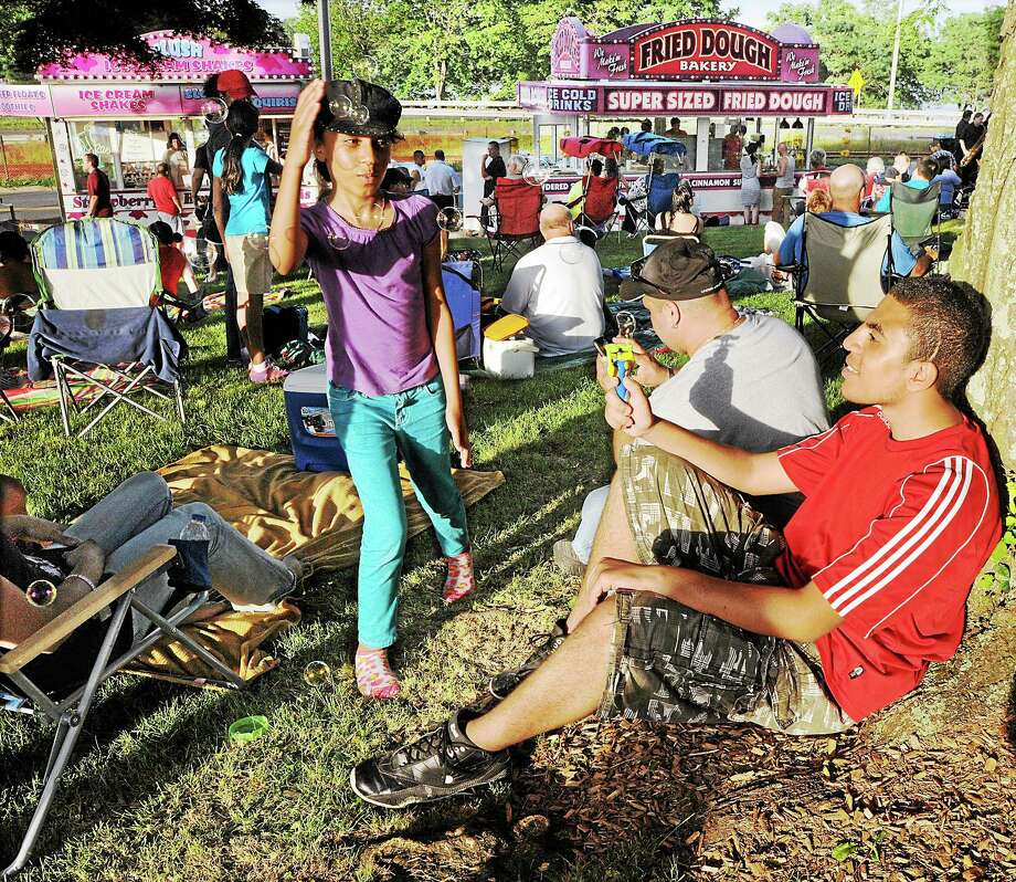 File photo from Middletown's fireworks festival  Photo: Journal Register Co. / TheMiddletownPress